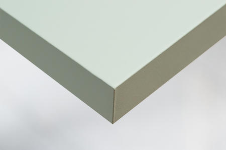 L4 solid pale green